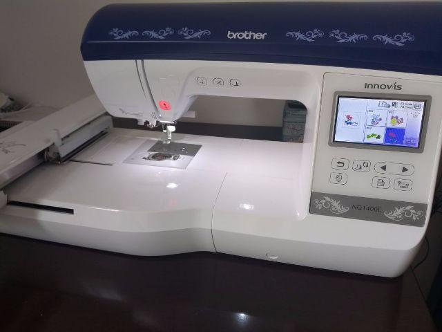 Maquina de Bordar Brother NQ1400