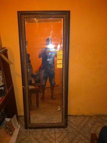 Vende se espelho grande