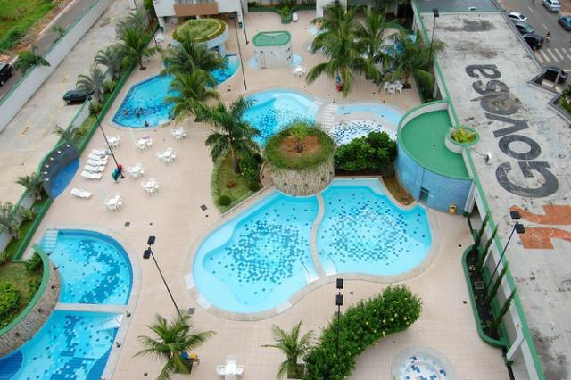 Apto no centro de 2 quartos com 8 piscinas no aquarius no setor Oeste - Foto 2