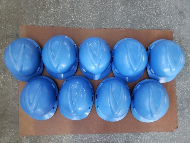 9 capacetes azul MSA V-Guard com carneira e jugular - Foto 4