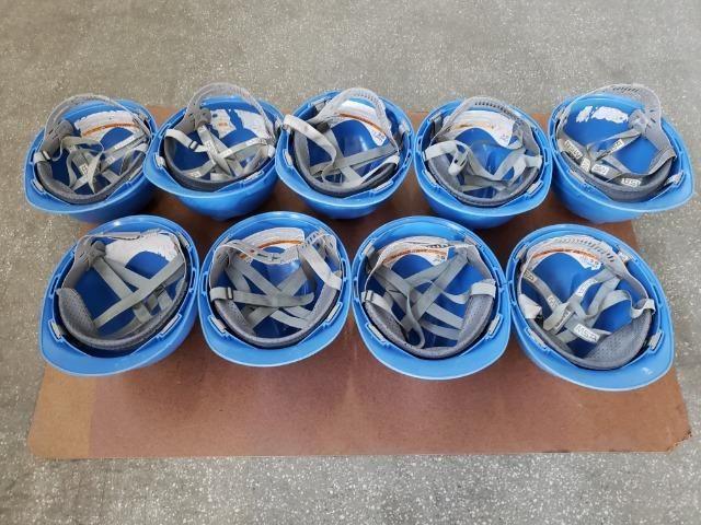 9 capacetes azul MSA V-Guard com carneira e jugular - Foto 6