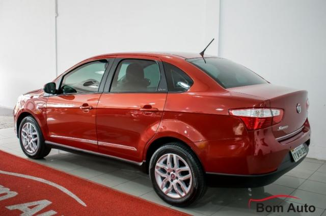 Fiat Grand Siena 1.6 Essence I-motion 2013 - Foto 6