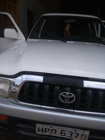 Vendo Toyota Hilux - Foto 4