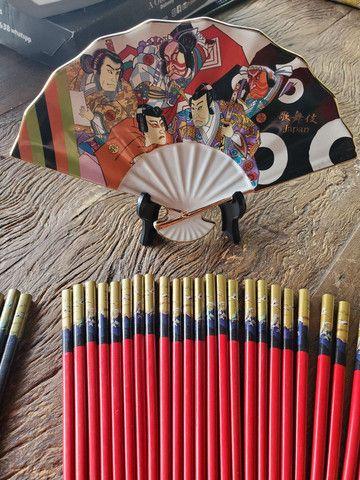 Pares de Hashi + prato decorativo japonês (original) - Foto 2