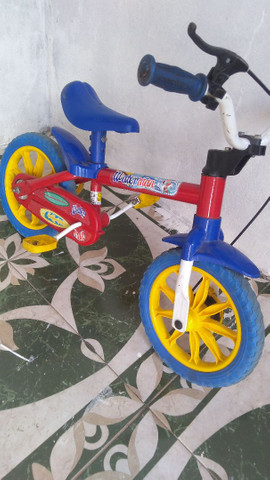Moto elétrica e bicicleta - Foto 2