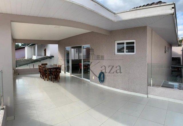 @ Casa Padrão mobiliada - Fino Acabamento - 4 quartos - 4 suítes - Foto 16