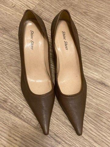 Scarpin marrom claro tamanho 38