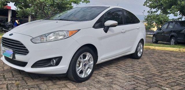 New Fiesta sedan 1.6 SE único dono