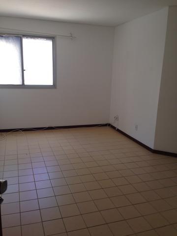 Apartamento na ACM 1/4