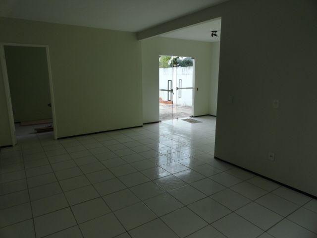 CA0073 - Casa Comercial (CLÍNICA), 2 Recepção, 5 consultórios, 20 vagas, Fortaleza. - Foto 3