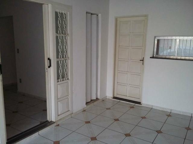 Casa Tipo Sobrado Aluga-se - Foto 3