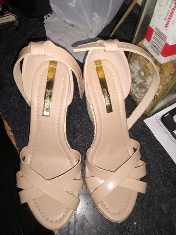 Vendo sandália moleca número 36 - Foto 2