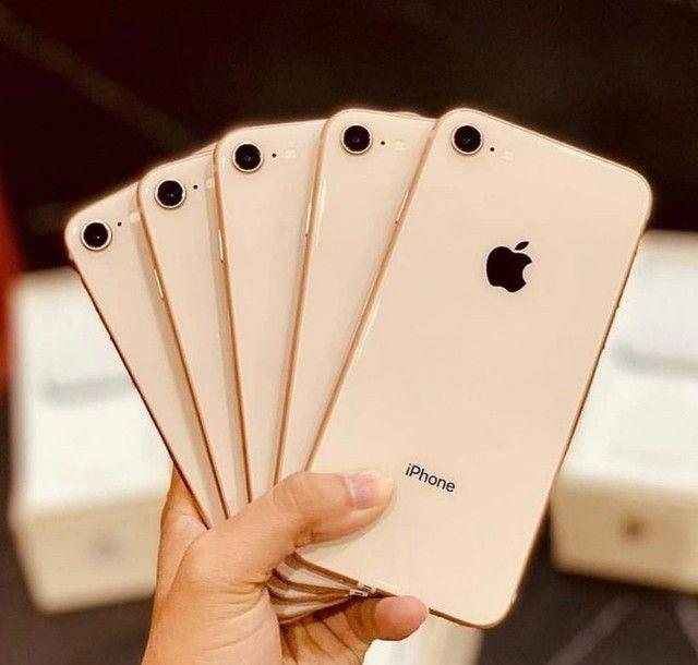 iPhone 8 64gb gold Vitrinni + cabo e garantia  - Foto 3