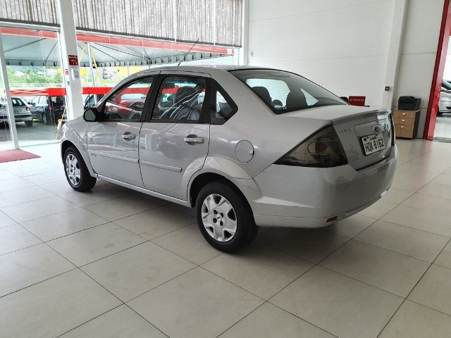 Ford Fiesta Sedan 1.6 8v Flex - Foto 5