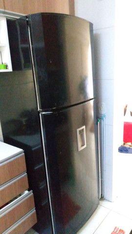 Geladeira Duplex conservada funciona muito bem apenas $650,00 aceito todos os cartões  - Foto 2