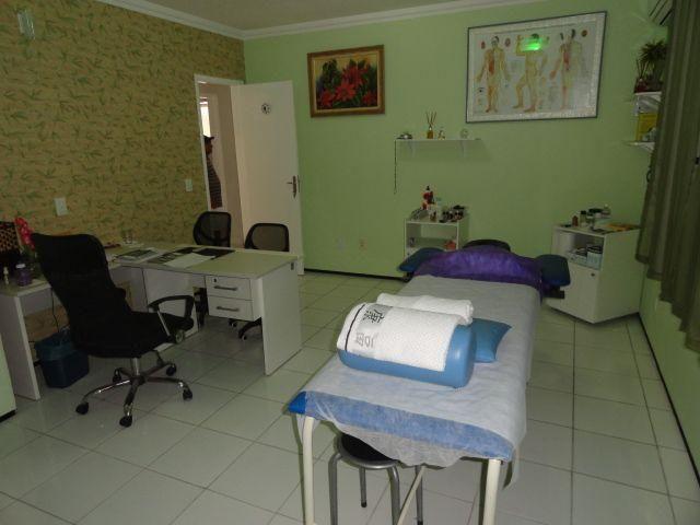 CA0073 - Casa Comercial (CLÍNICA), 2 Recepção, 5 consultórios, 20 vagas, Fortaleza. - Foto 12