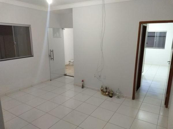 Casa  com 3 quartos - Bairro Residencial Village Santa Rita I em Goiânia - Foto 2