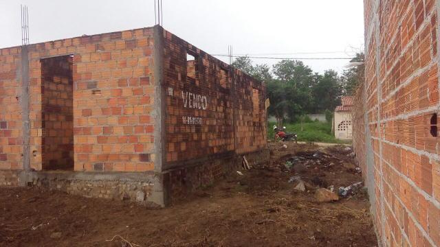Vendo casa em construção em serrinha
