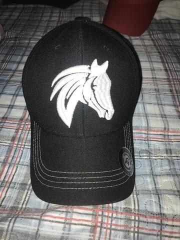 Vendo bonés adidas   Horse - Bijouterias 0563b4ad054