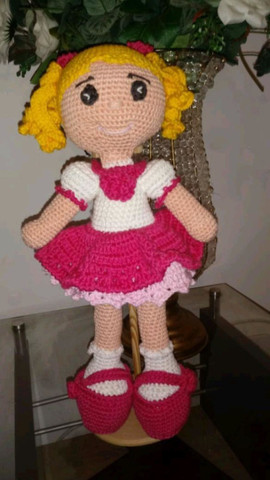 Boneca em Amigurumi Ritinha - sob encomenda
