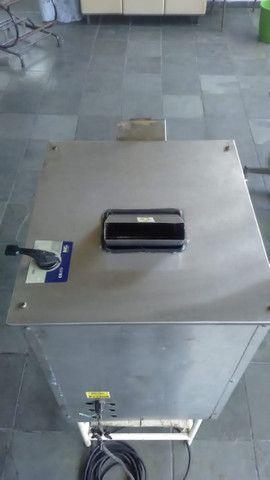 Maquina de Caldo de Cana Elétrica Luxo Inox FC-200 - Foto 2
