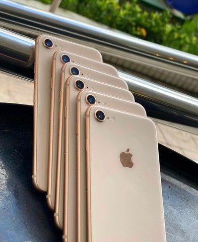 iPhone 8 64gb gold Vitrinni + cabo e garantia  - Foto 2