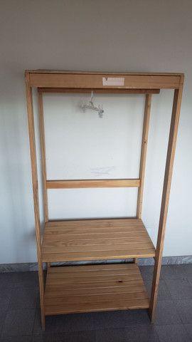 Expositor Tokstok de madeira