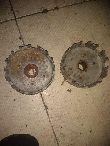 2 campana Titan 150 pedal