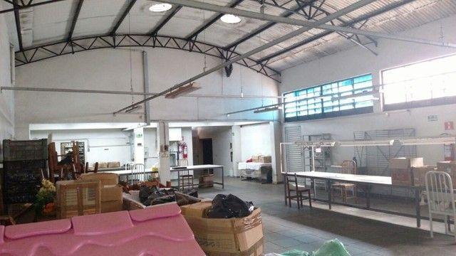 Salão Comercial 450 m²  - alugo - direto com o proprietário com 6 meses grátis  - Foto 2