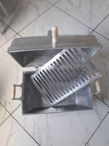 Vende-se churrasqueira abafo de alumínio fundido