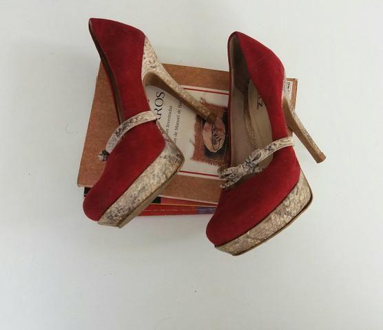 Sandalia salto alto vermelho com laço