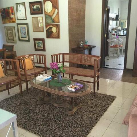 Casa mobiliada 4 quartos em condomínio na Praia do Flamengo