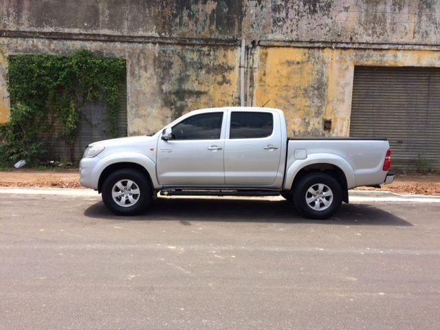 Toyota Hilux CD SR 4X2 16V/2.7 AUT / 2012 - Flex