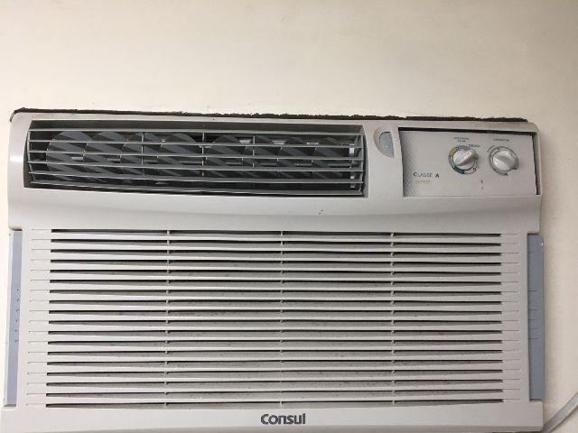 Ar Condicionado Janela Consul Quente/Frio 12.000 Btus Mecânico 220V