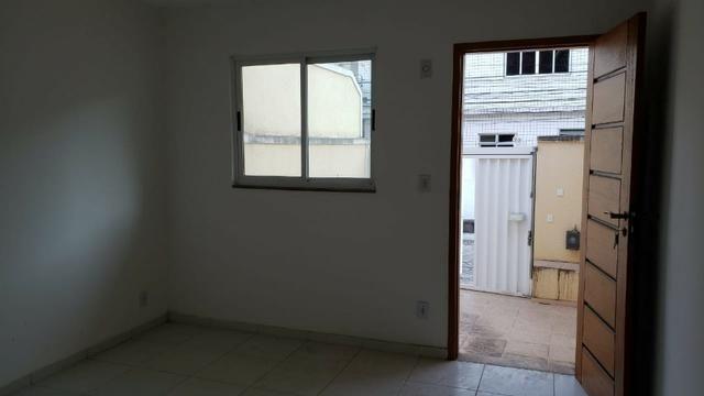 Casa miuto bem localizada duplex 1a locaçao 2 qts com varandas quintal 2 vgs