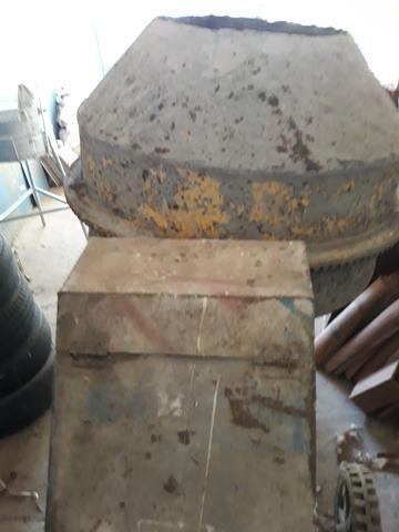 Bitoneira pouco usada sem moto - Foto 3