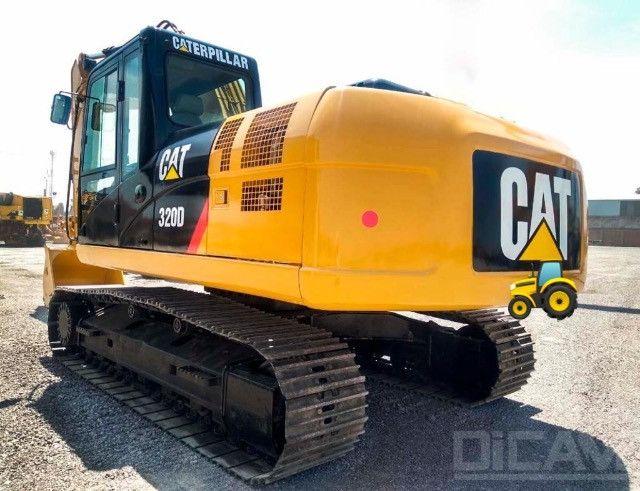 Escavadeira Caterpillar 320D 2015