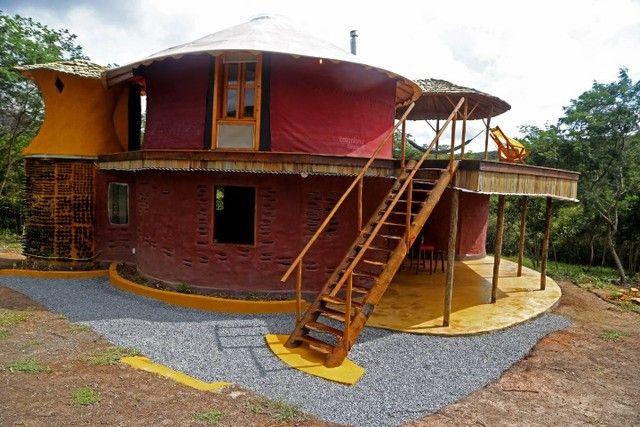 Vendo Casa lindíssima em terreno de 14.695m2 no vale do capão