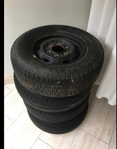 Besta - Aro e pneus