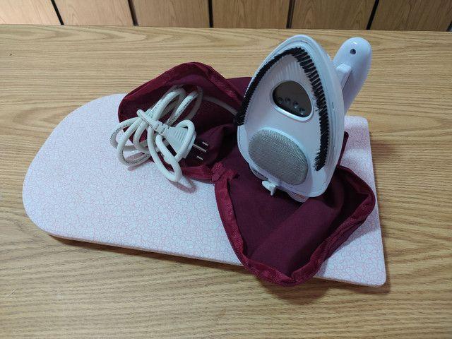 Mini ferro com bolsinha e mini tábua de passar  - Foto 2