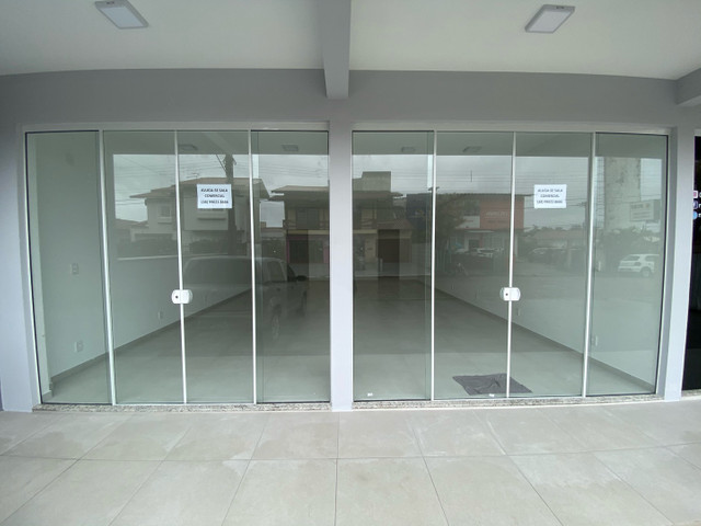 Alugo salas comerciais novas