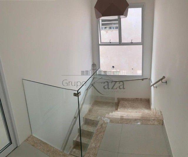@ Casa Padrão mobiliada - Fino Acabamento - 4 quartos - 4 suítes - Foto 5