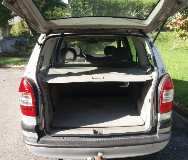 Minivan Zafira 2.0 CD 16V MpFi / 5 portas / 7 lugares - Foto 12