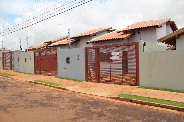 Casa nova com terreno amplo no Residencial Oliveira