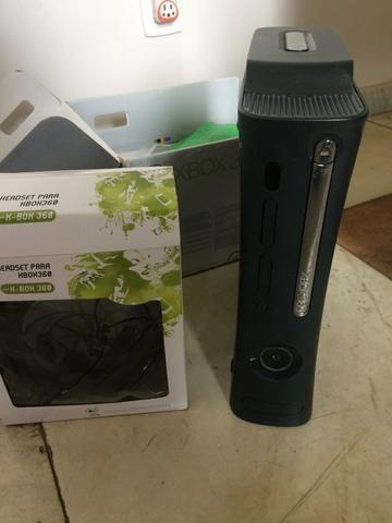 Xbox 360 Elite 120GB Completo + Extras +Jogos *Precisa de reparo no leitor