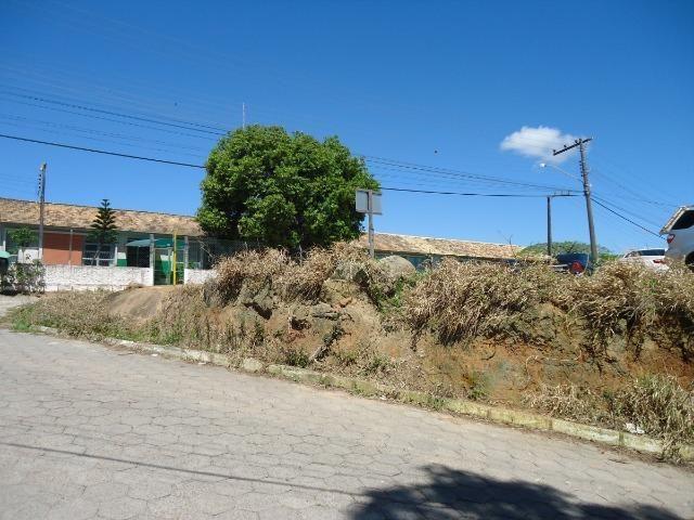 Lote de esquina e escriturado próximo ao Centro de Jaguaruna - Foto 6