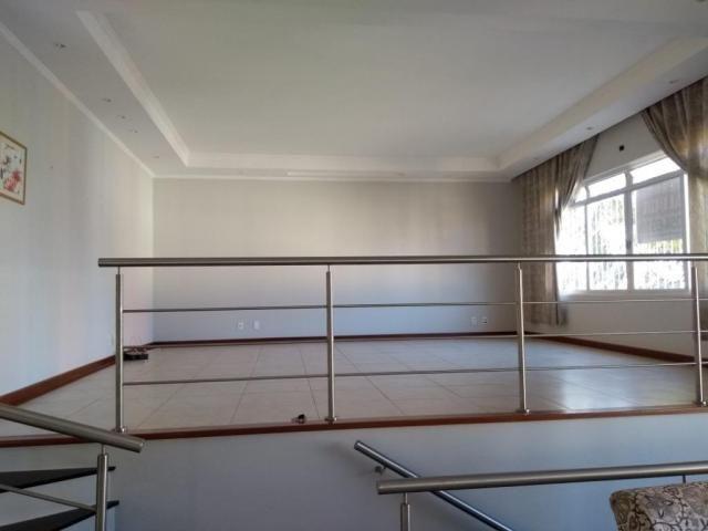 Casa com 3 dormitórios para alugar, 195 m² por R$ 3.500/mês - Parque das Universidades - C