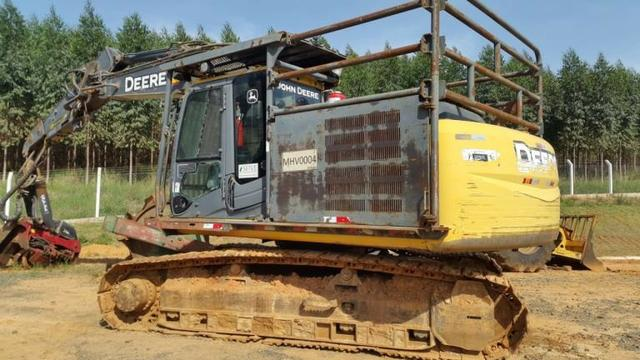 Escavadeira Florestal John Deere 200D Ano 2013 - #3919