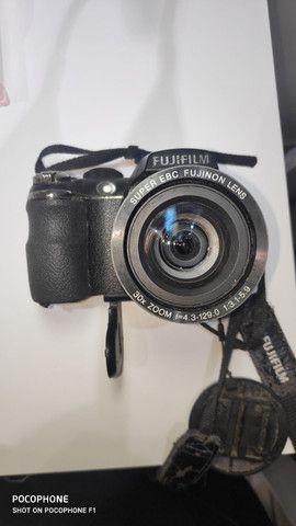 Câmera Semi Profissional Fujifilm Fine Pix S400