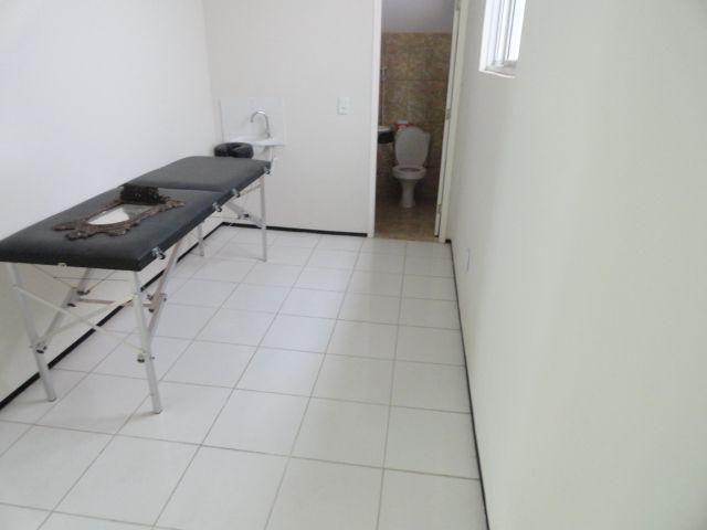 CA0073 - Casa Comercial (CLÍNICA), 2 Recepção, 5 consultórios, 20 vagas, Fortaleza. - Foto 10